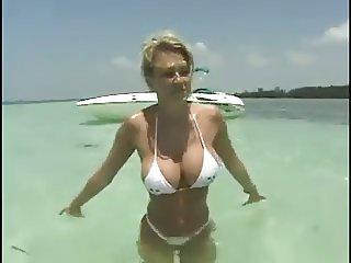 Jenna Jamenson on boat