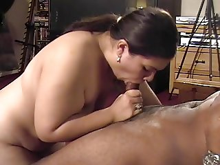 Fat latina chick gives long blow job on hotel floor