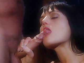 Sarah twain amazing scene