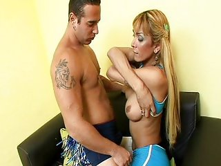 Cheerleader Celeste fucks with guy