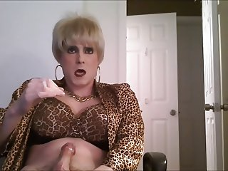 short blonde hair crossdresser