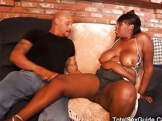 Chubby black girl wants to be fucked