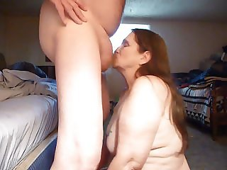 suckin for sperm and cum and swallowing over flow