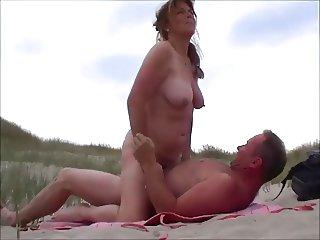 ma salope sur la plage