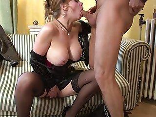 mature avec de gros seins