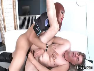 Domme shemale Sasha Strokes fucks stud