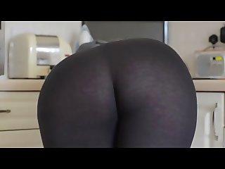 Awesome Yoga pants lol Awesome ass