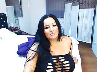 sarahdoll boobs