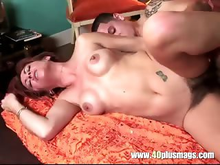 Hot housewife with sexy hairy beaver