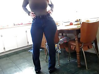 White girl with big butt in jeans