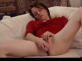 Skinny mature masturbation