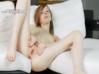 hole opening of ultracute girl Gloria