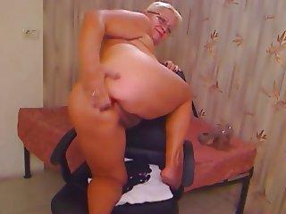 Fat Ass Granny on Cam