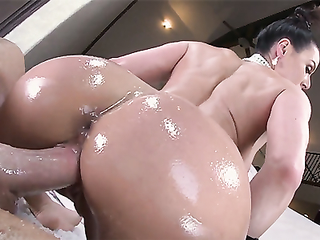 Oiled bubble butt mature woman enjoys a hard fucking
